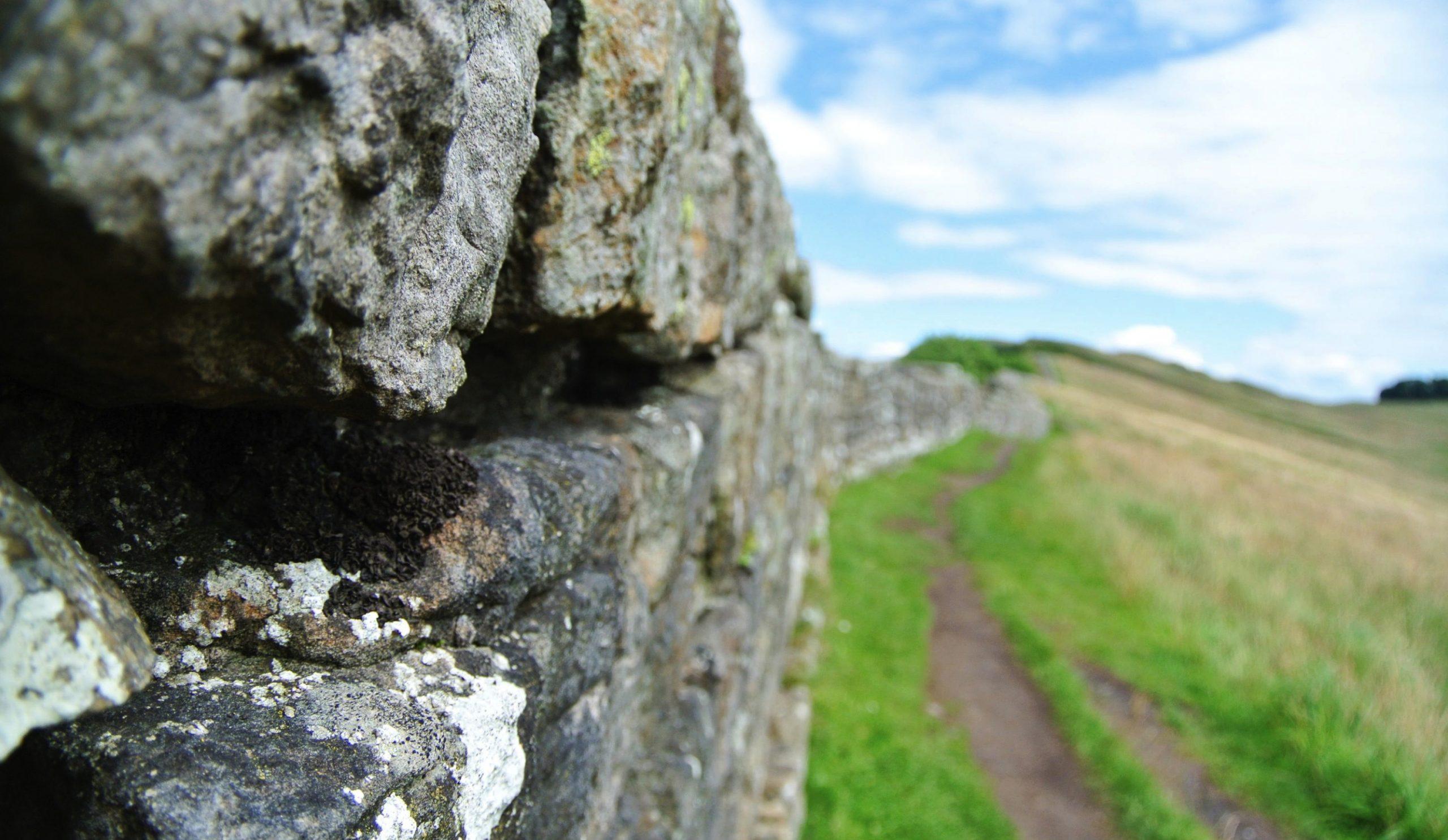 chateau de la condemine allier mur hadrien